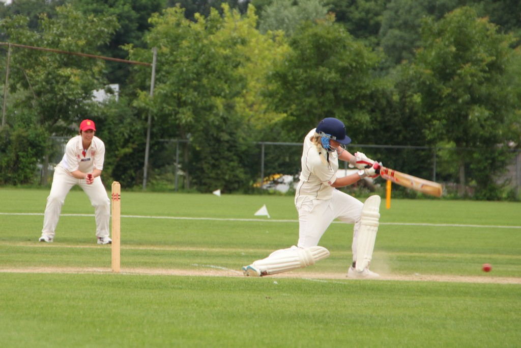 Jenny Langer (Germany) batting against Jersey