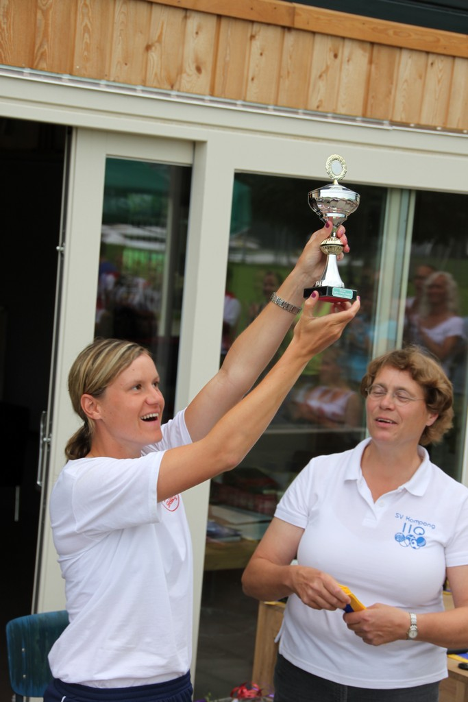 Gemma Dunning receives trophy for Jersey